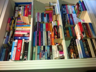 Lisa Heidke This Is Her Bookshelf Above Who Has Written Three Books Claudias Big Break Being The Latest Says Bookshelves Are Overflowing