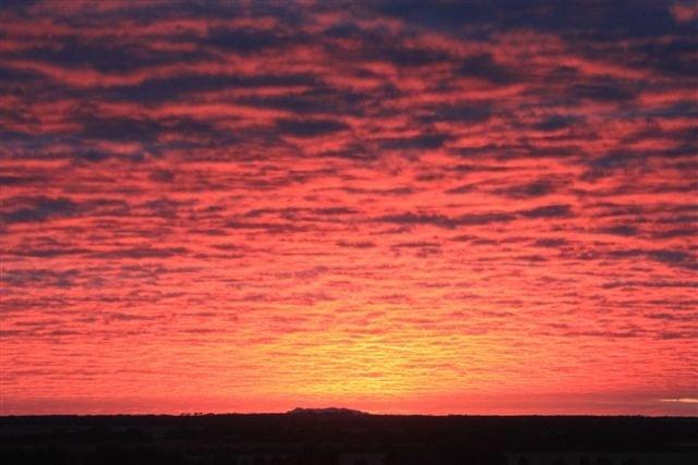 Crimson Dawn by Fleur McDonald Voice of the Outback